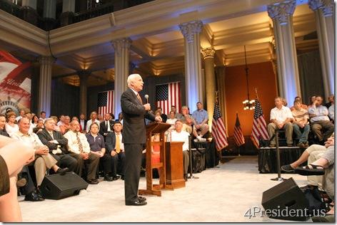 John McCain St. Paul Minnesota Town Hall Photo